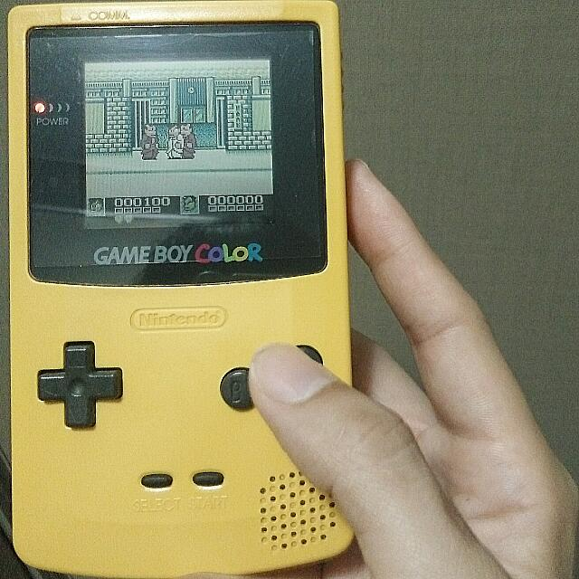 authentic_nintendo_vintage_gameboy_color