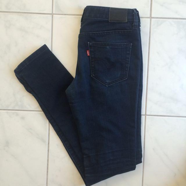 Dark Blue Levis Jeans