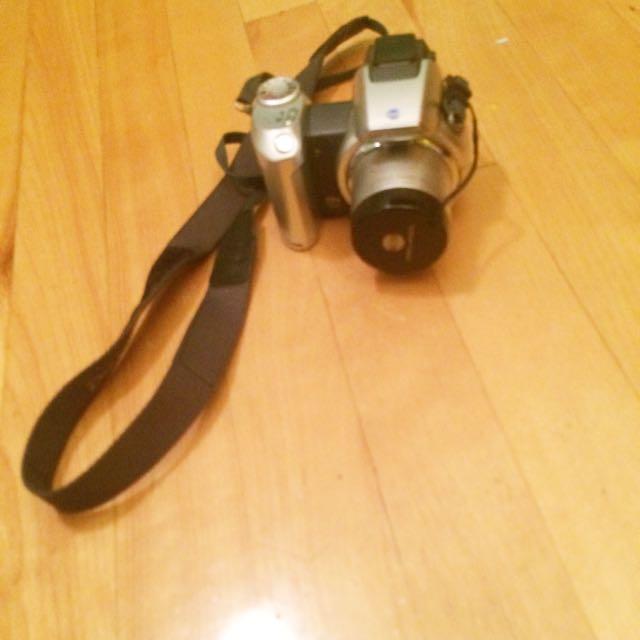 Dimage Z2 Camera