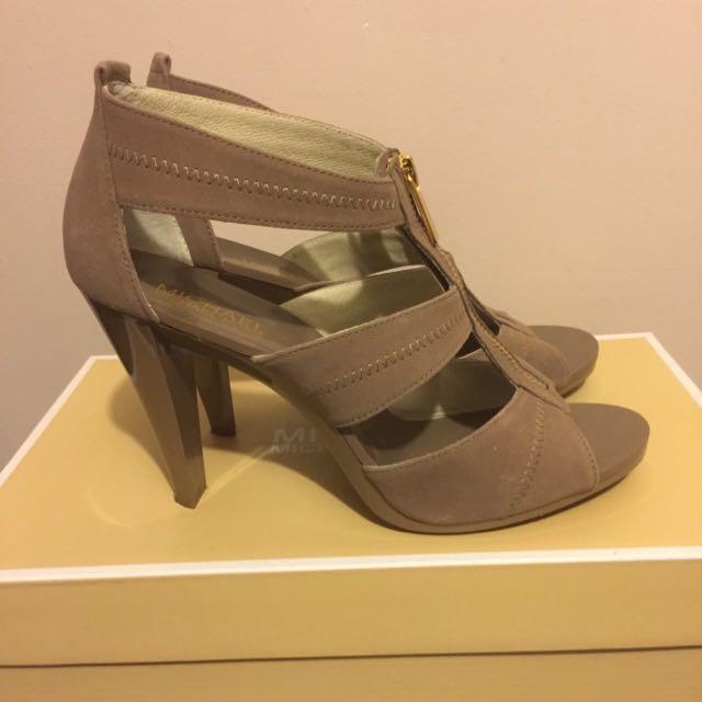New Michael Kors Sandals size 8 1/2