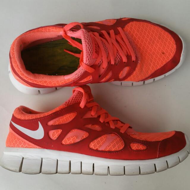 Nike Free Runs US7.5