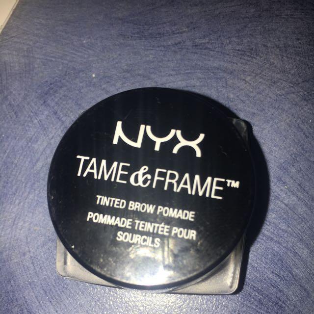 NYX tame And Frame Eyebrow Pomade