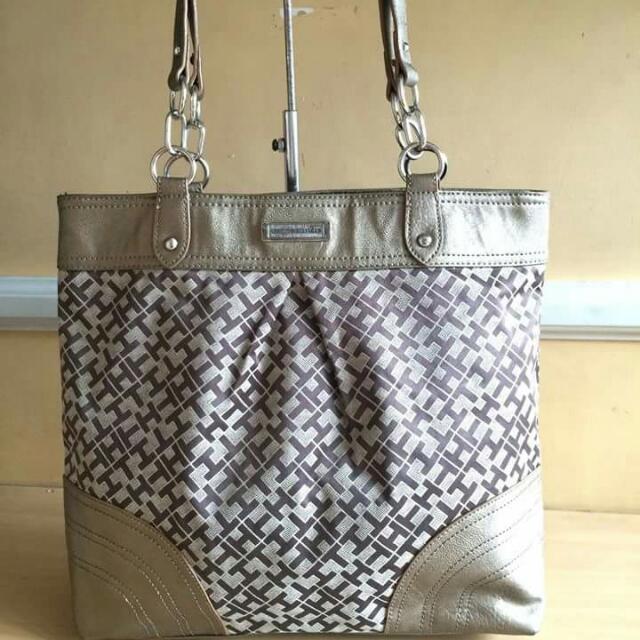 Preloved Authentic Tommy Hilfiger Tote Bag shoulder Bag e0cb4300588a2