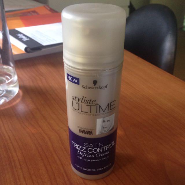 Schwarzkopf Frizz Control Defrizz Cream
