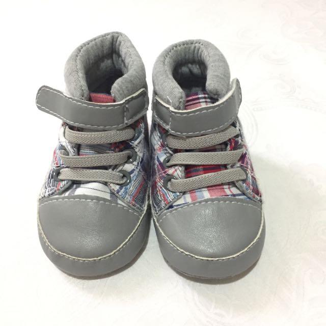 Sepatu 0-3 Bulan