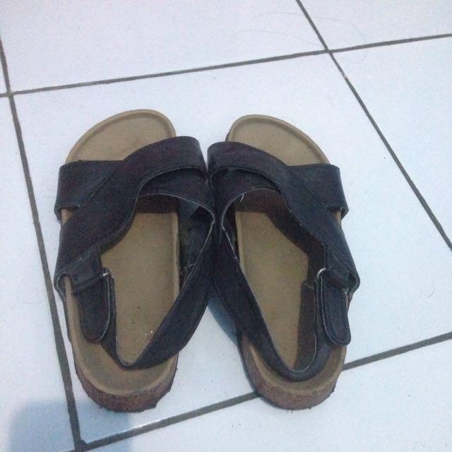 Sepatu ade8d41e99
