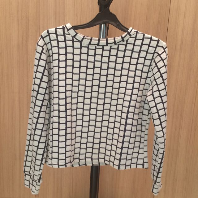 Thai Brand B&W Sweater