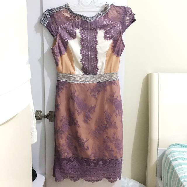 Three Floor Dress / Dress Pesta / Dress Ungu