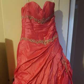 Beautiful Coral Grad Dress