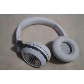 Earphone JBL E40BT White