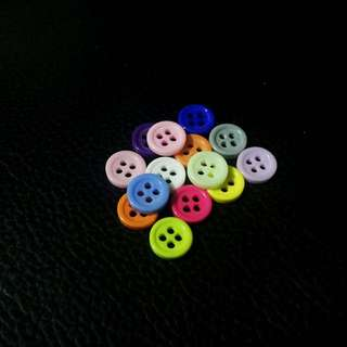 [Instock] Colourful Mini Round Buttons