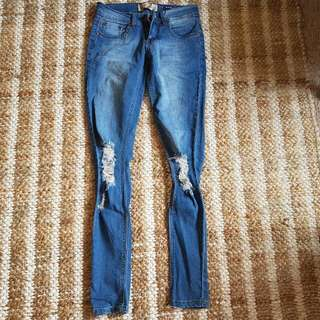 Light Denim Jeans 6 Ripped Knees Never Worn