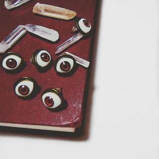 Edgy Eye Earrings (anting-anting)