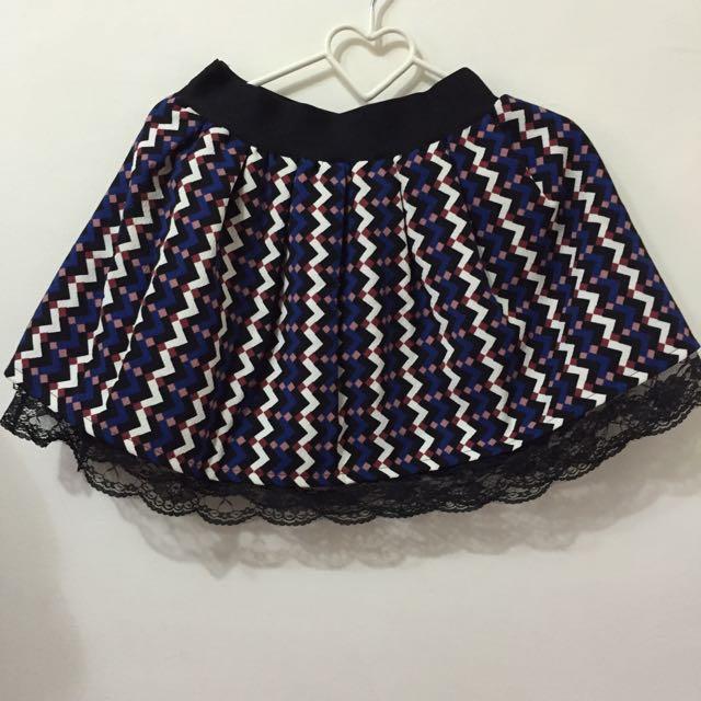 [免運]幾何蕾絲厚短裙