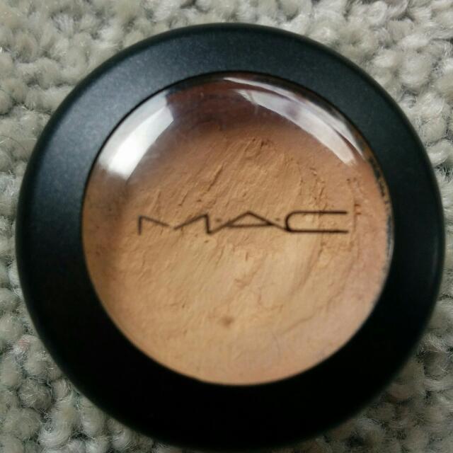 Authentic Mac Studio Finish Concealer NC 30