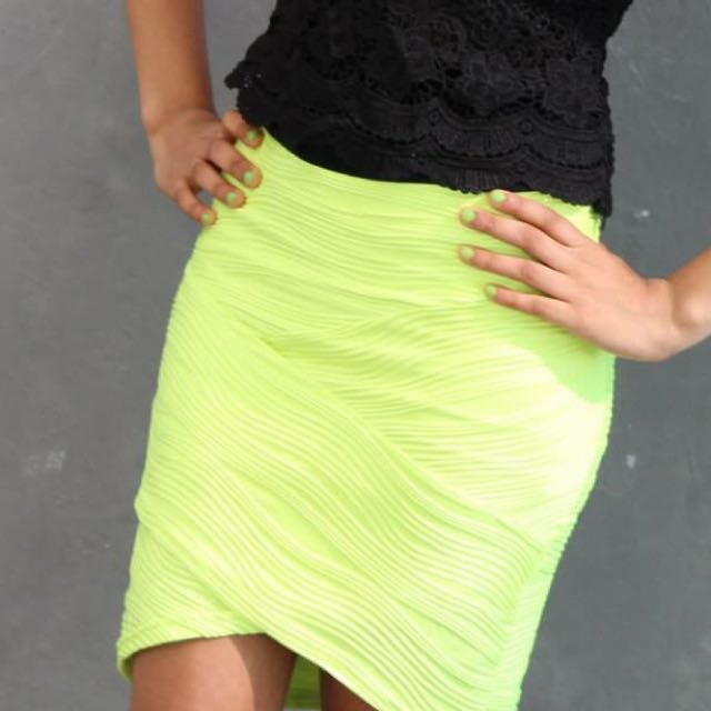 Green Skirt Size 8