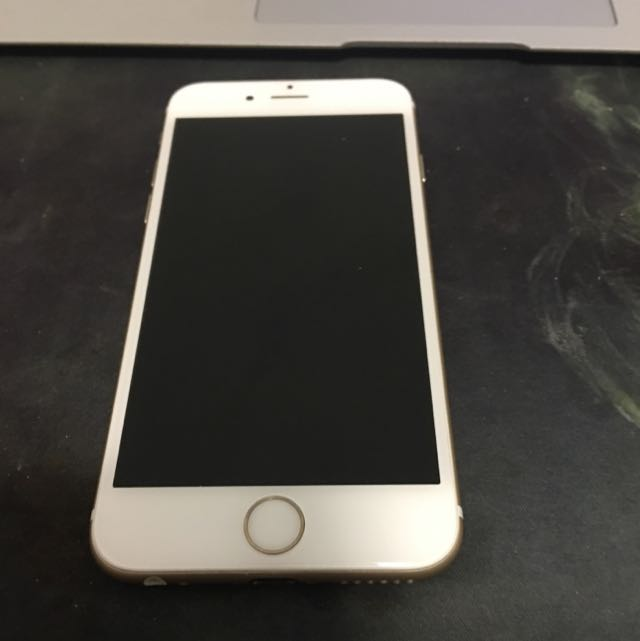 iPhone 6 16gb No Scratches At All
