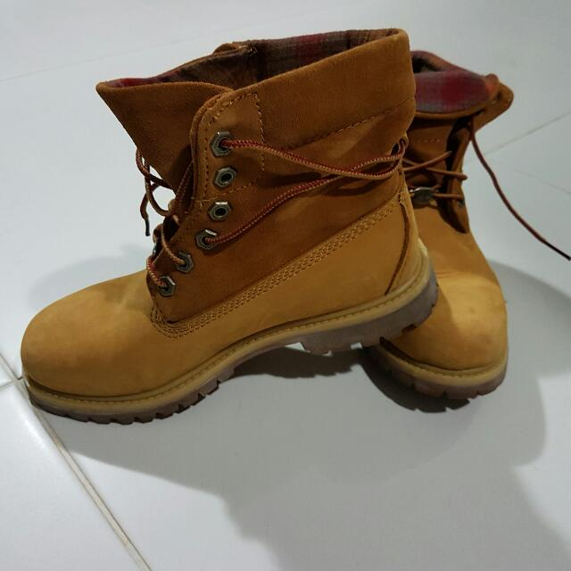 a537e5805c08b Ladies Original Timberland boots., Women's Fashion, Shoes on Carousell
