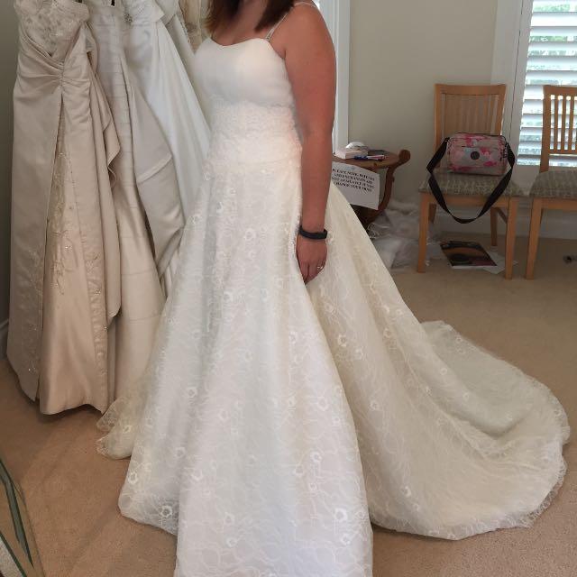 NEW WEDDING DRESS Henry Roth