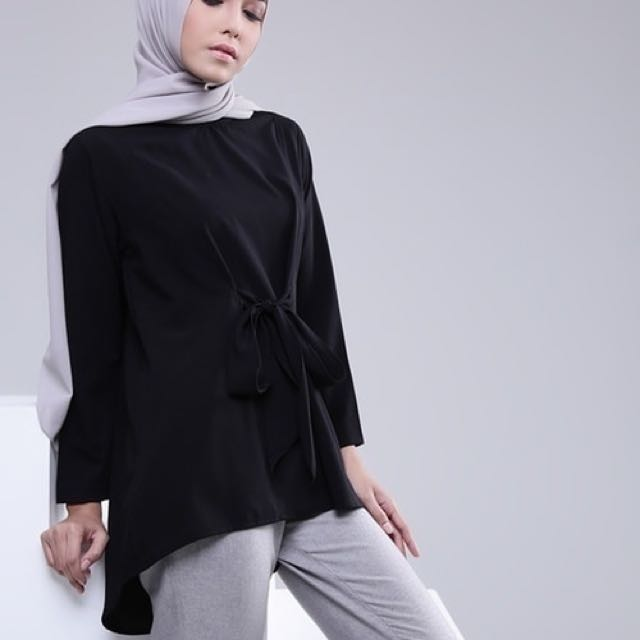 Wizha Top by Hijup