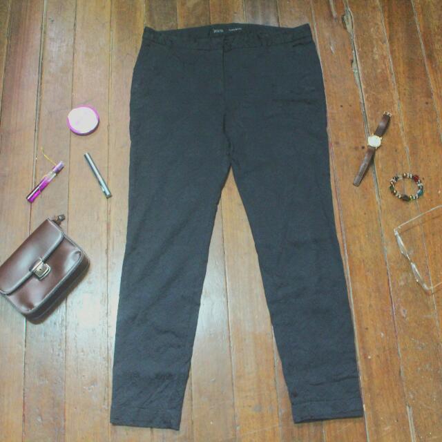 Zara Basic Black Patterned Jeans