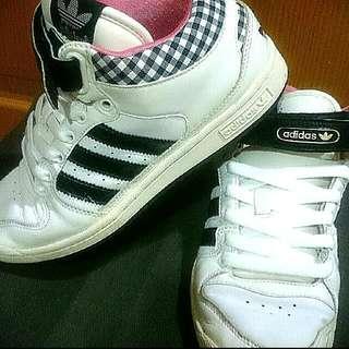 正版Adidas愛迪達運動鞋/慢跑鞋/球鞋/休閒鞋/布鞋