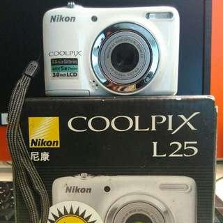 Jual Digital Kamera Merk Nikon Coolpix L25 Kondisi Ok, Jarang Bgt Dipake, Sdh Ada Memory Card 2Gb..Oke Bgtt..Dijual Krn Udh Beli Kamera Lain