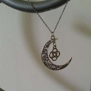 Beautiful Unique Necklace