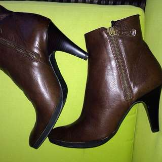 UNISA Ankle Bootie ( Soft Leather)