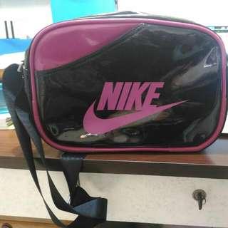 Nike側背包