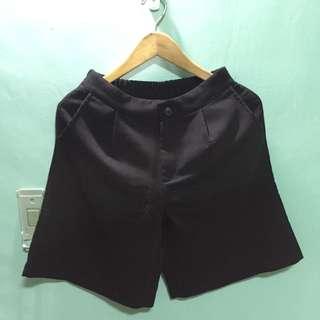黑色五分褲