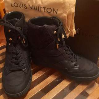 LV Black Boots