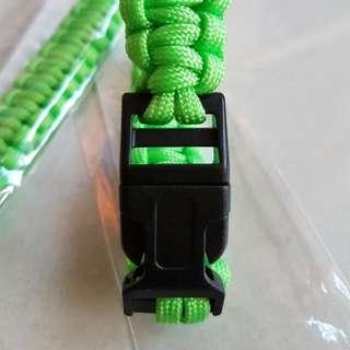 (Green)Plastic Buckle Paracord Survival Parachute Cord Bracelet Outdoor Hiking Sport