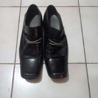 sepatu merk everbest