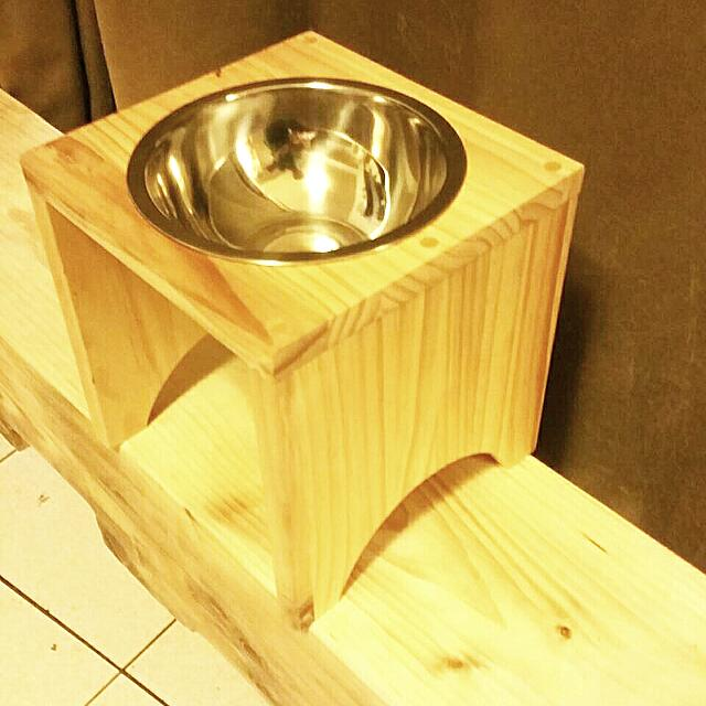 免運費(挑戰網路最低價)-單口原木不銹鋼寵物餐桌/中型犬寵物碗 狗餐桌/貓餐桌 無毒 無化學成份