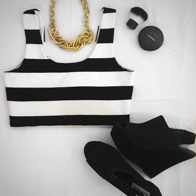 ⭐️ Bardot (size 10)- Sleeveless Crop With Thick Black & White Stripes