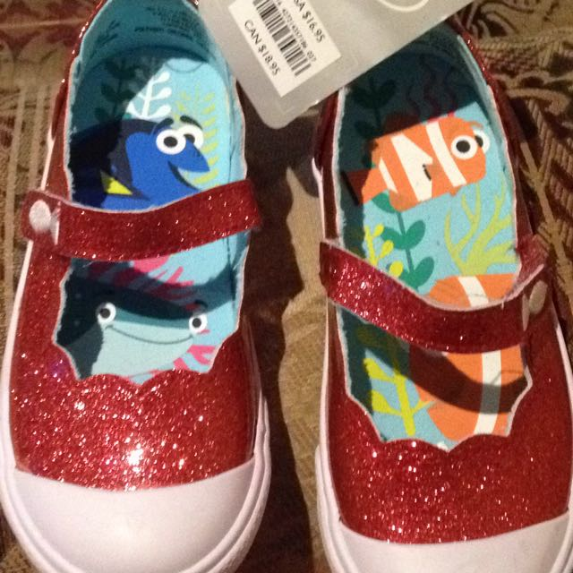 BNWT Disney Finding Nemo
