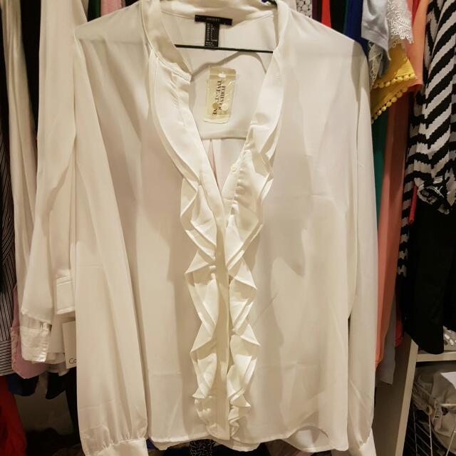 Brand New With Tags Forever 21 Rudfle Front Shirt