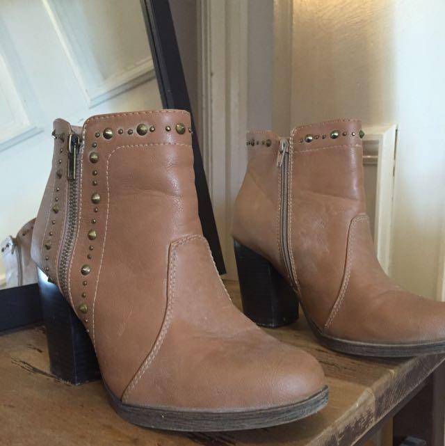 Brown Vintage Heeled Boots