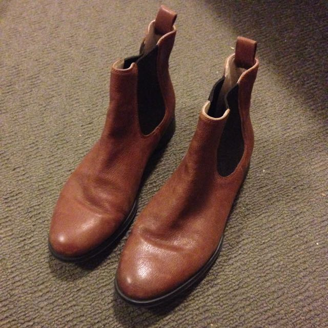 Clarkes Brown Boots. Size 6. Worn Twice