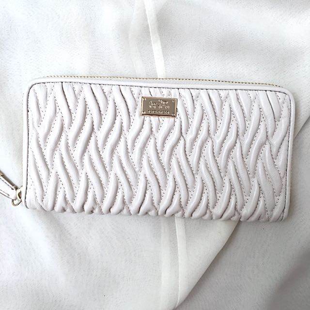 (New) Authentic Coach Madison Twist White Leather Long Purse