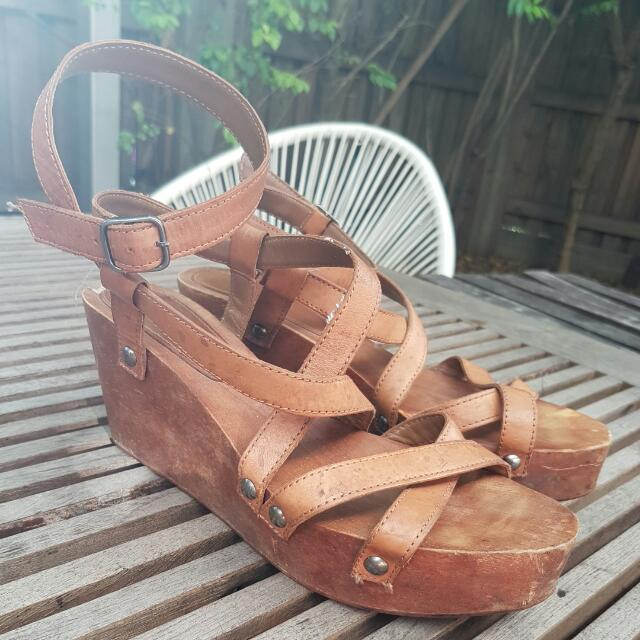 Country Road Block Wedges