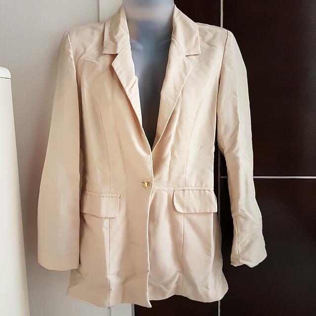 Cream Blazer With Print Inside