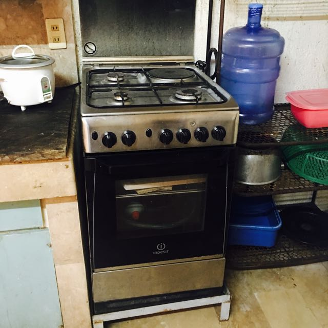 Indesit 4 Burner Gas Ranger With Electric Oven
