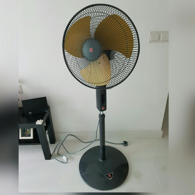KDK P40US Gold Stand Fan