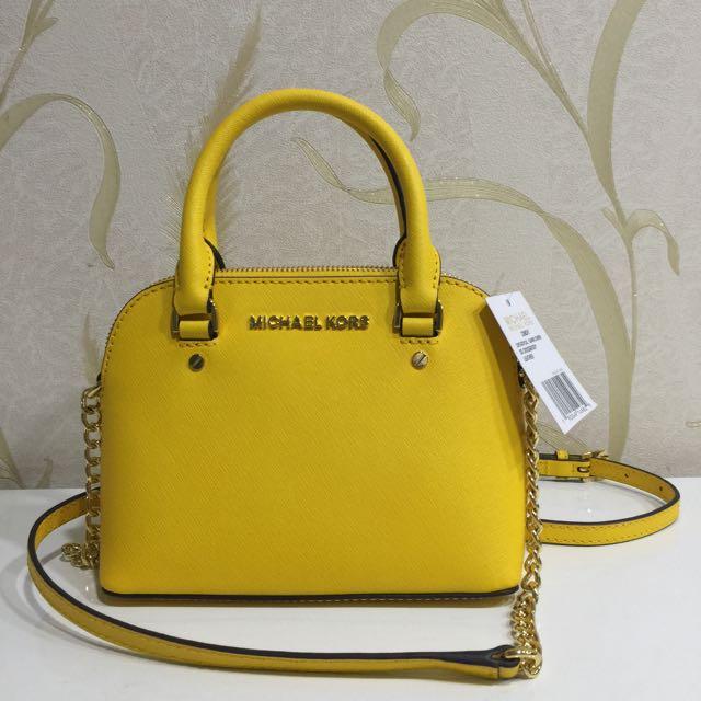 0950a3909f4545 NEW Michael Kors Cindy Mini Crossbody Bag (Sunflower Yellow MK ...