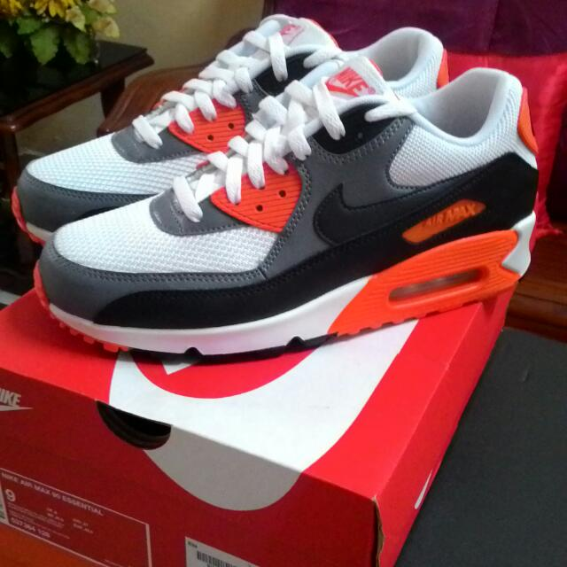 check out b122f 0429f Nike Air Max 90 Essential Infrared, Men s Fashion, Footwear on Carousell