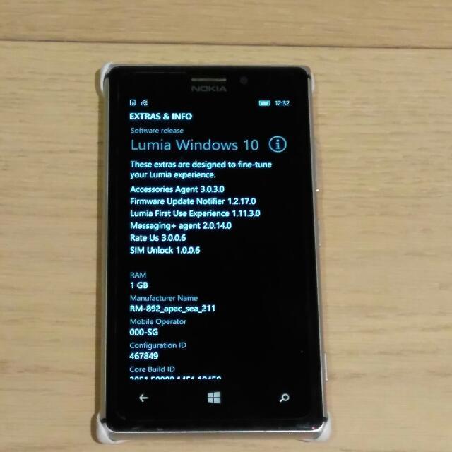 Nokia 925 -  White
