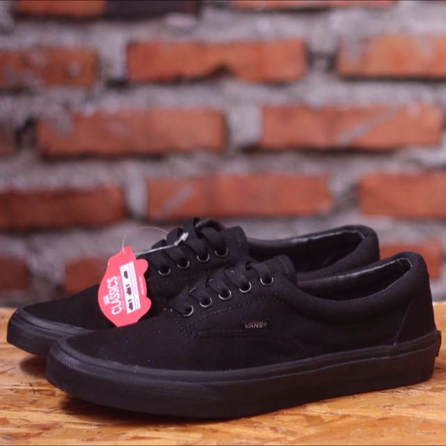 b35cda2aa959 Vans Era Full Black
