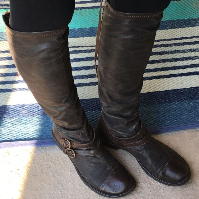 Women's Brown Distressed Leather Boots